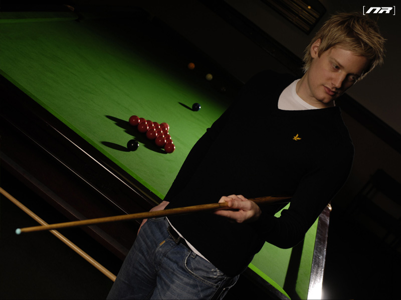 http://www.neilrobertson.net/images/wallpapers/neil-2-800x600.jpg